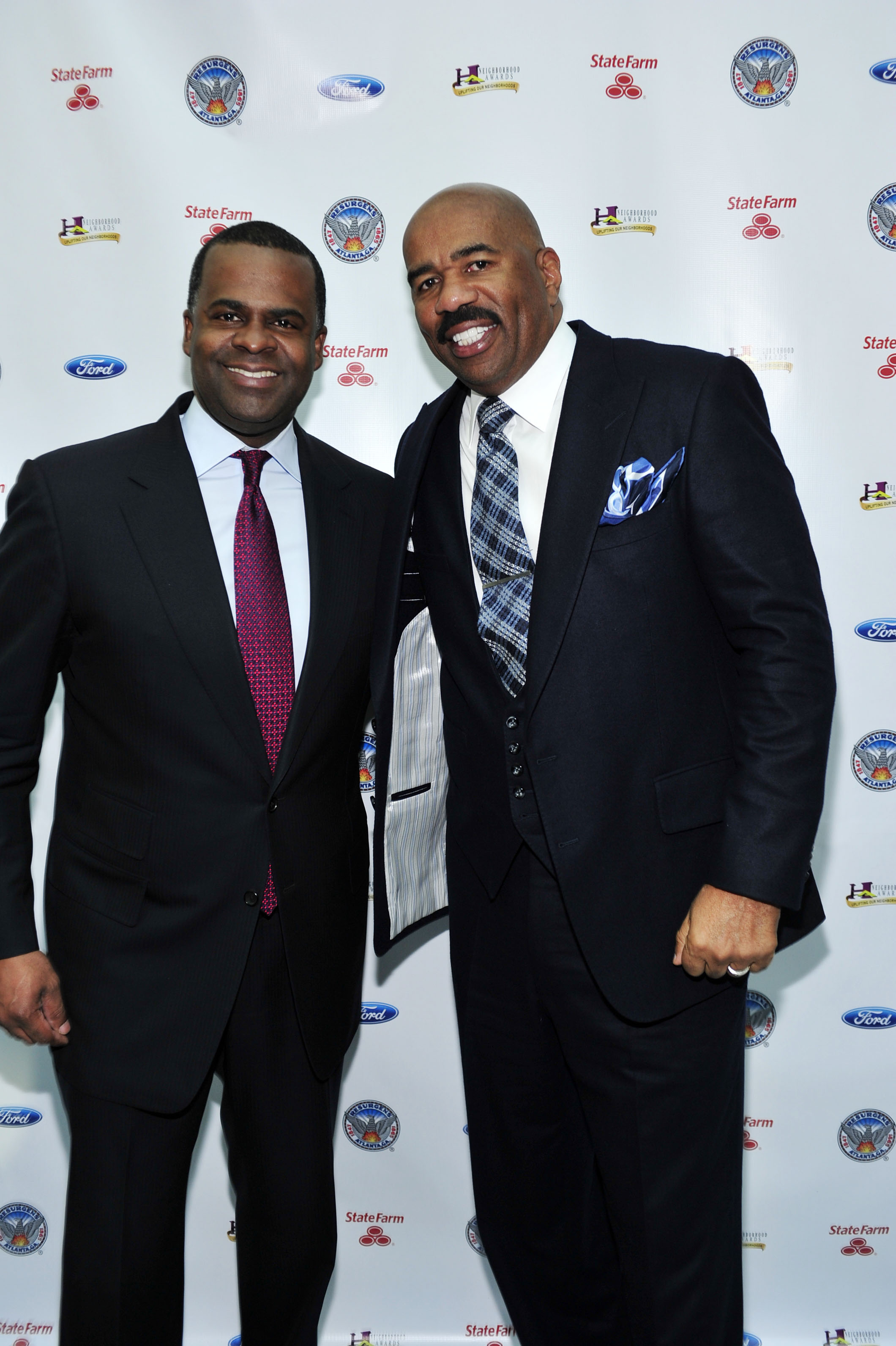 Steve Harvey to host 2014 Ford Neighborhood Awards in Atlanta!